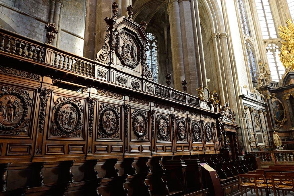 Sculptures-sur-bois-Basilique-Saint-Marie-Madeleine-23-02
