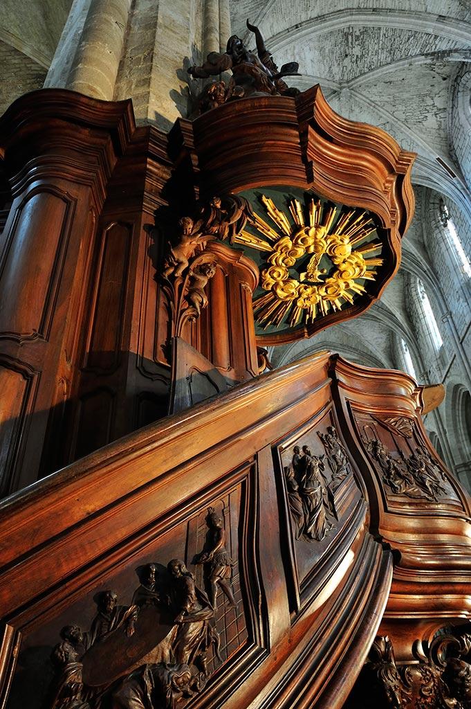 Sculptures-sur-bois-Basilique-Saint-Marie-Madeleine-23-04