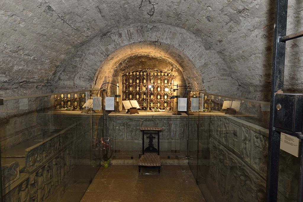Crypte-Basilique-Saint-Marie-Madeleine-22-01