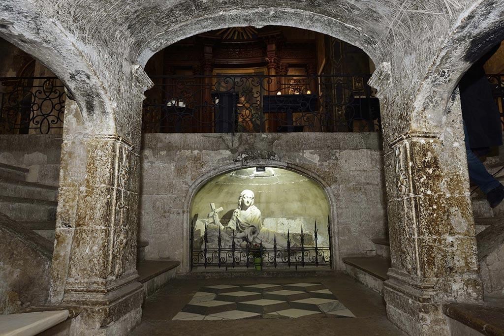 Crypte-Basilique-Saint-Marie-Madeleine-22-03
