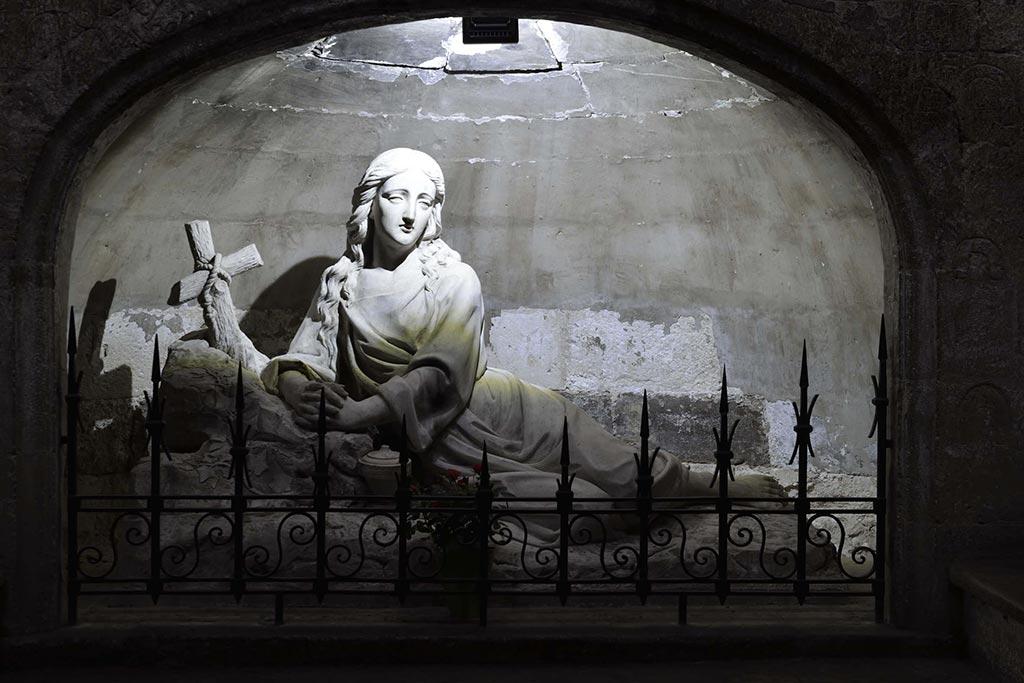Crypte-Basilique-Saint-Marie-Madeleine-22-04