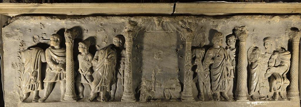 Crypte-Basilique-Saint-Marie-Madeleine-22-13